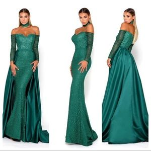 NWT Portia and Scarlett Emerald gown